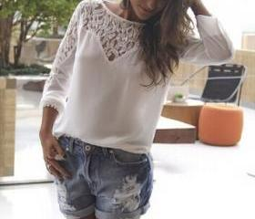 Long-sleeved lace sh..